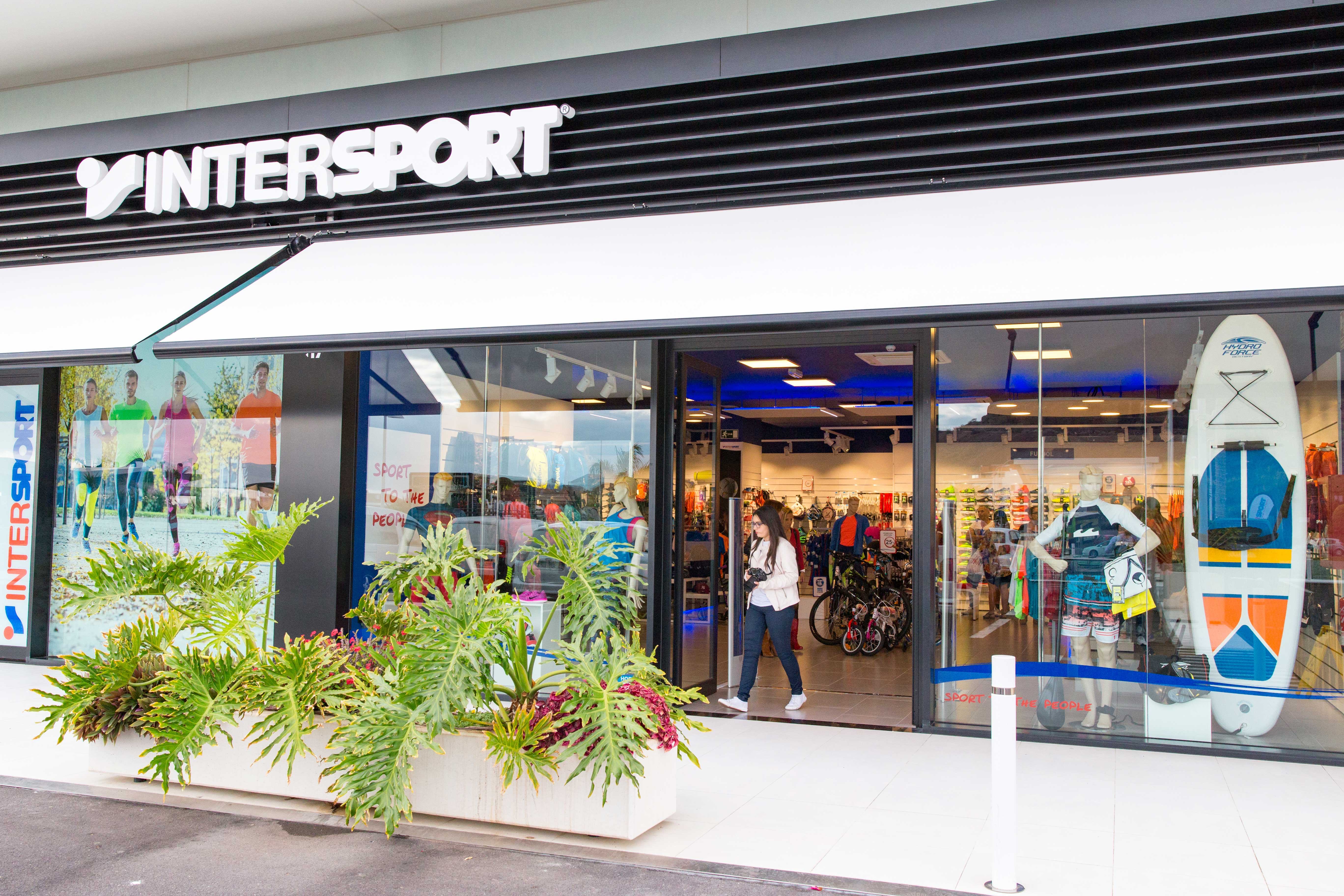2f8fa0ca7f Intersport is an international chain of sport shops spread out over 42  countries in Europe, America and Asia. This multinational at the moment has  more the ...